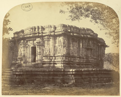 Temple in courtyard of the Chennakeshvara Temple, Belur 2334